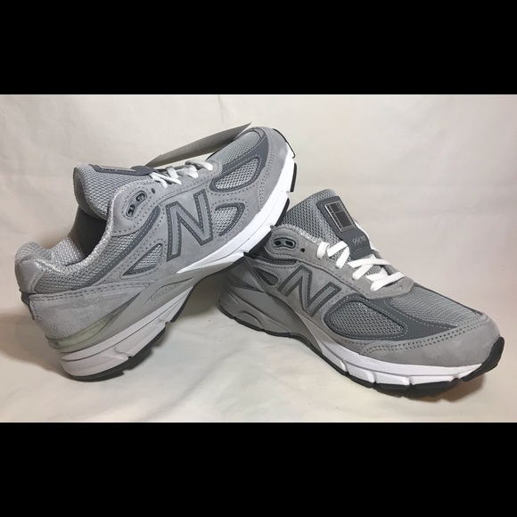 buy popular 13d21 175ce NWT New Balance 990v4 Women's Running Shoes Grey NWT